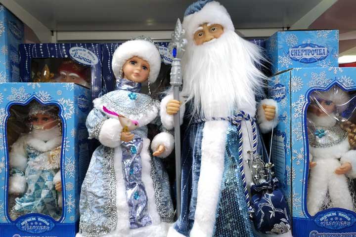 Поющие и танцующие дед мороз и снегурочка